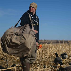 Avery 6 Slot Honker Bag