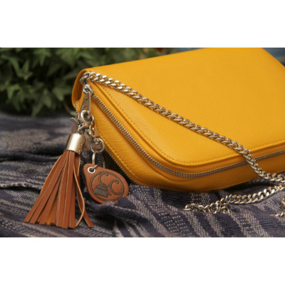Concealed Carrie Mustard Compact With Chain